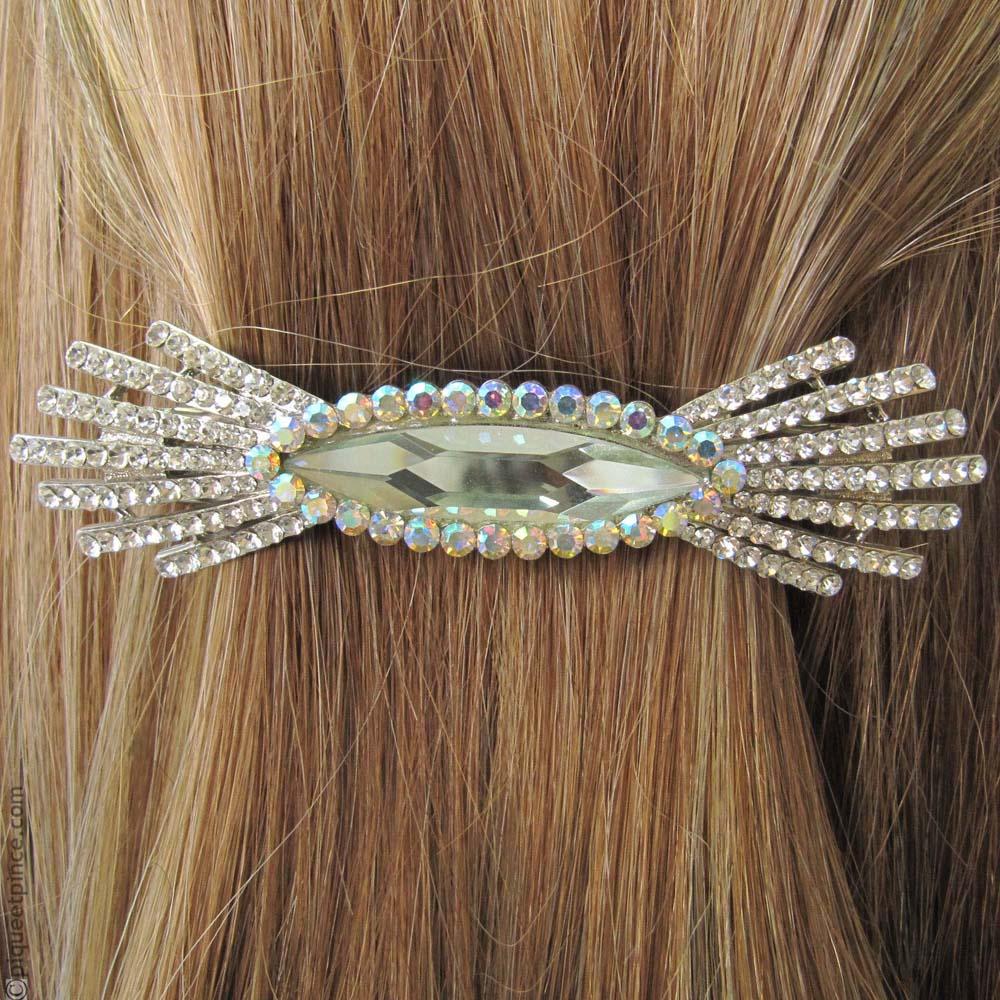 Comment porter et mettre des barrettes à cheveux ?