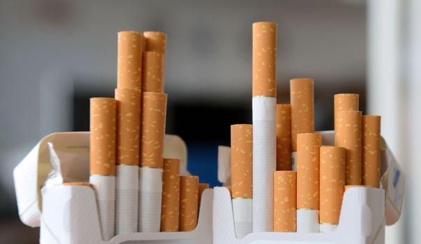 le-gouvernement-decide-d-instaurer-le-paquet-de-cigarettes-neutre-sans-logo-ou-autre-signe-distinctif_5091834