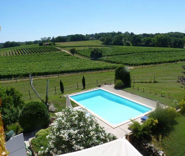Le confort d'un gite avec piscine au cœur de la Dordogne