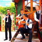 Pourquoi prendre un groupe de jazz manouche pour animer son mariage