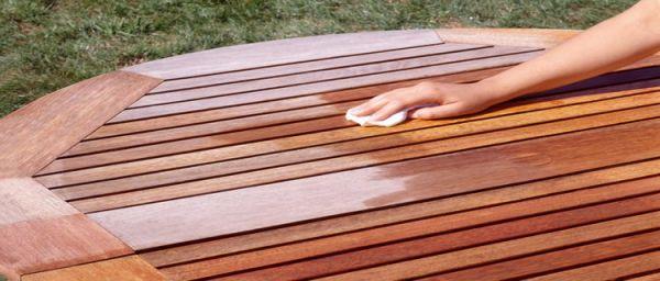 salon de jardin en teck comment restaurer ses meubles outdoor. Black Bedroom Furniture Sets. Home Design Ideas